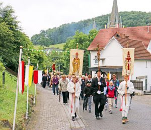 St.-Blasius-Schützenprozession am Sonntagmorgen